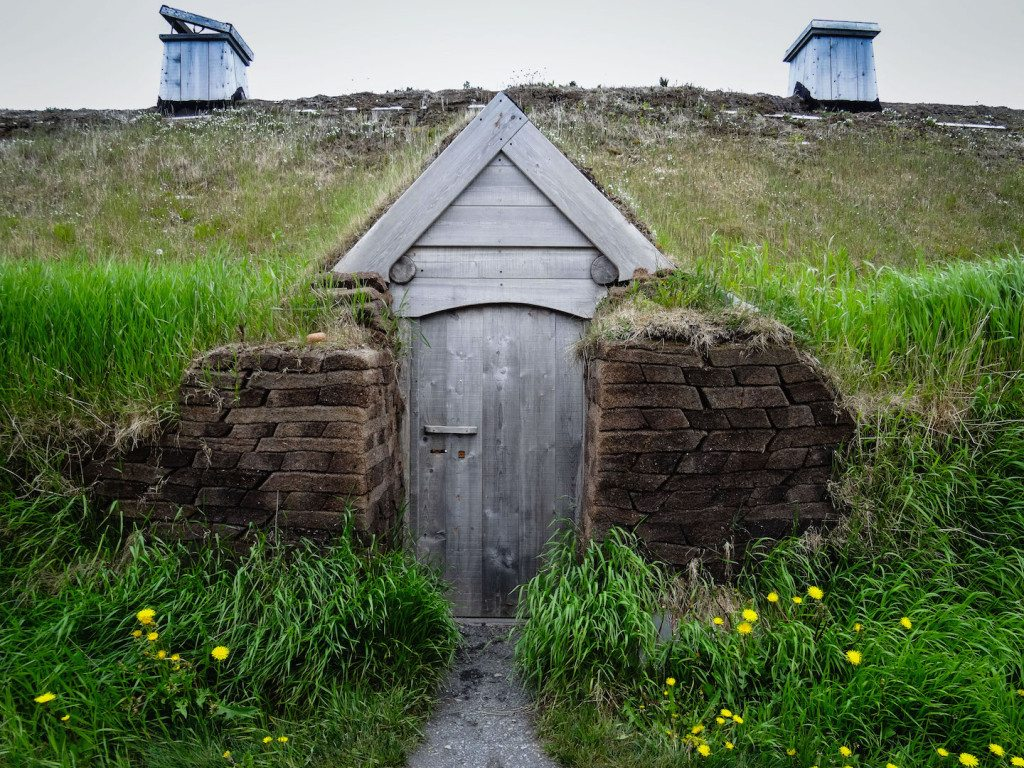 L'Ans aux Meadows sod house door