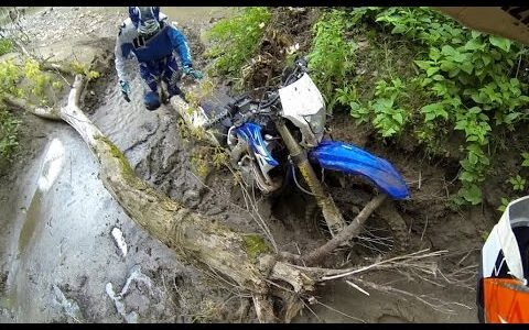 Great Video of KTM 250 and Yamaha WR450 Riding Trails