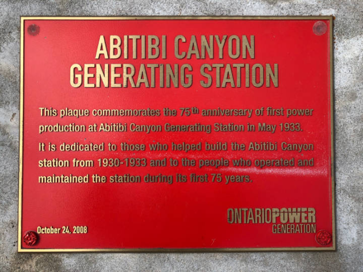 A plaque commemorating the men who operated the hydro station at Abitibi Canyon
